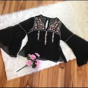 EARTHBOUND Tops - Black • Bell Sleeves • Crochet Top • Size Large